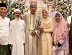 Nikahi Santri Cantik 19 Tahun yang Hafal Qur'an, Ini Fakta di Balik Pernikahan UAS dengan Mahar 244 Gram Emas