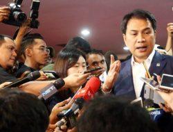 Wakil Ketua MKD Dampingi KPK Geledah Ruang Kerja Aziz Syamsuddin