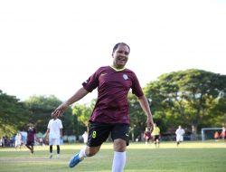 Usai Laga Persahabatan Sepak Bola Ilham Azikin Puji Danny: Beliau Senior Dan Saya Banyak Bercermin Darinya
